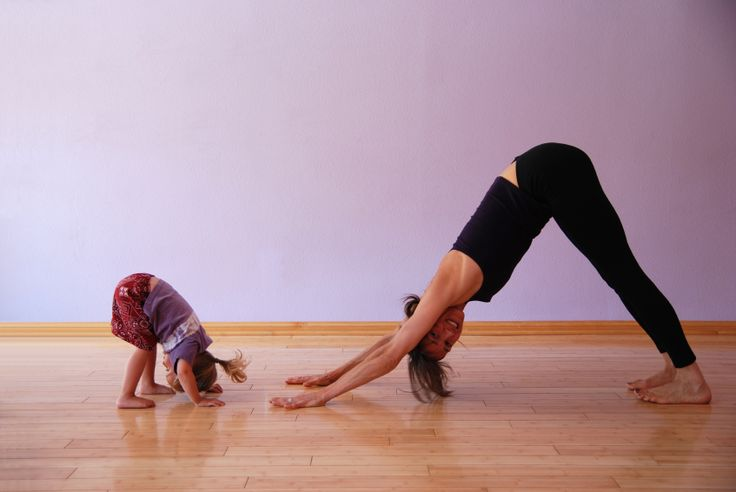 4 Tips on Doing Yoga with Kids - AnneeMatthew